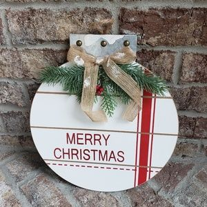 Other - Farmhouse shiplap Christmas ornament wreath
